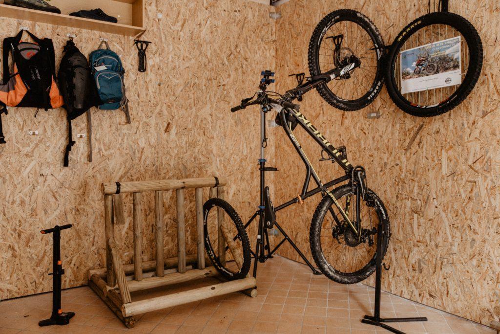 bike garage hotel nilde